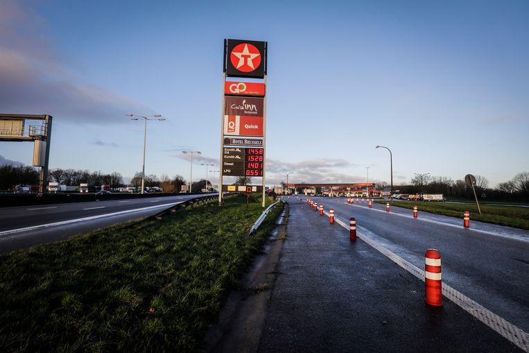 De parking langs de E40 in Groot-Bijgaarden. Beeld BELGA