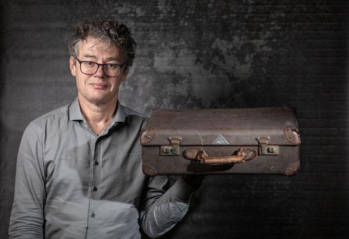 Leo Lucassen is - hoogleraar arbeids- en migratiegeschiedenis en directeur van het Internationaal Instituut van Sociale Geschiedenis.