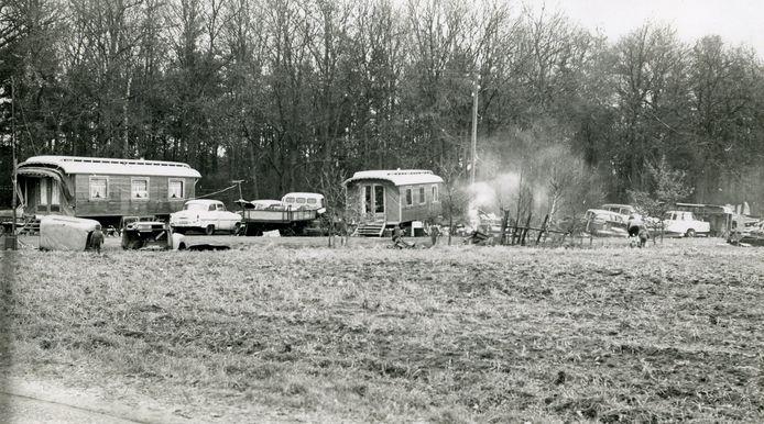 Het woonwagenkamp in Den Ham in 1968, waar de familie Wendels zich ooit zo thuis voelde. Zij hopen dat gevoel terug te krijgen. En die kans is groot. Twenterand maakt werk van woonwagenkampen.