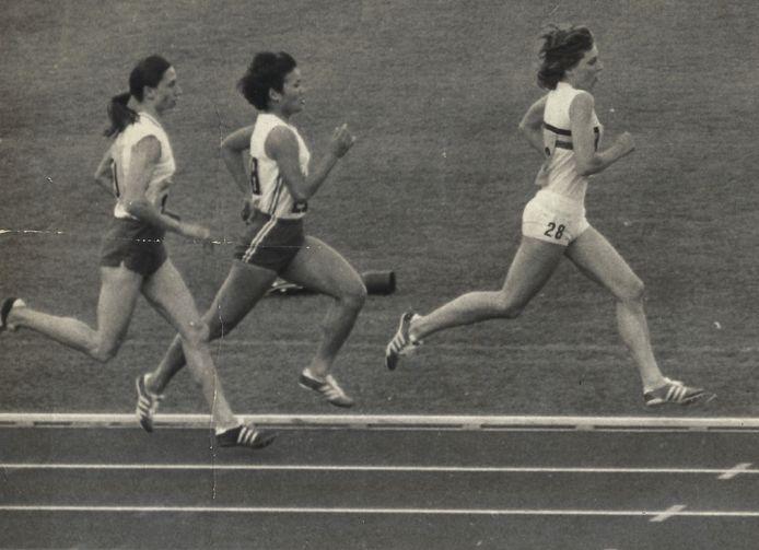 Marleen Verheuen (rechts) in de reeksen.