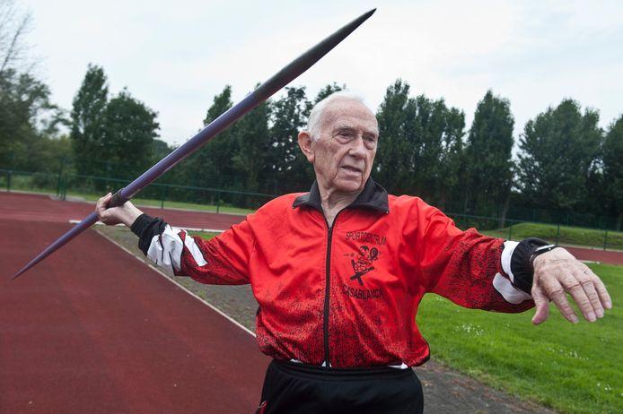 Bert Roelants, in 2011, op de atletiekpiste van Brabo.