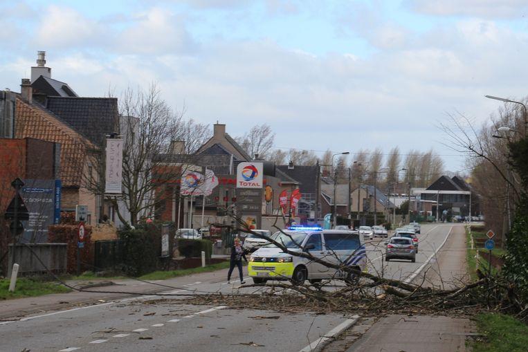 De Leedsesteenweg was lange tijd afgesloten voor het verkeer.