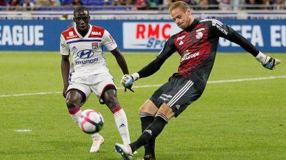 Sels verweert zich kranig maar moet zich toch tweemaal omdraaien tegen Lyon, Denayer blijft op de bank