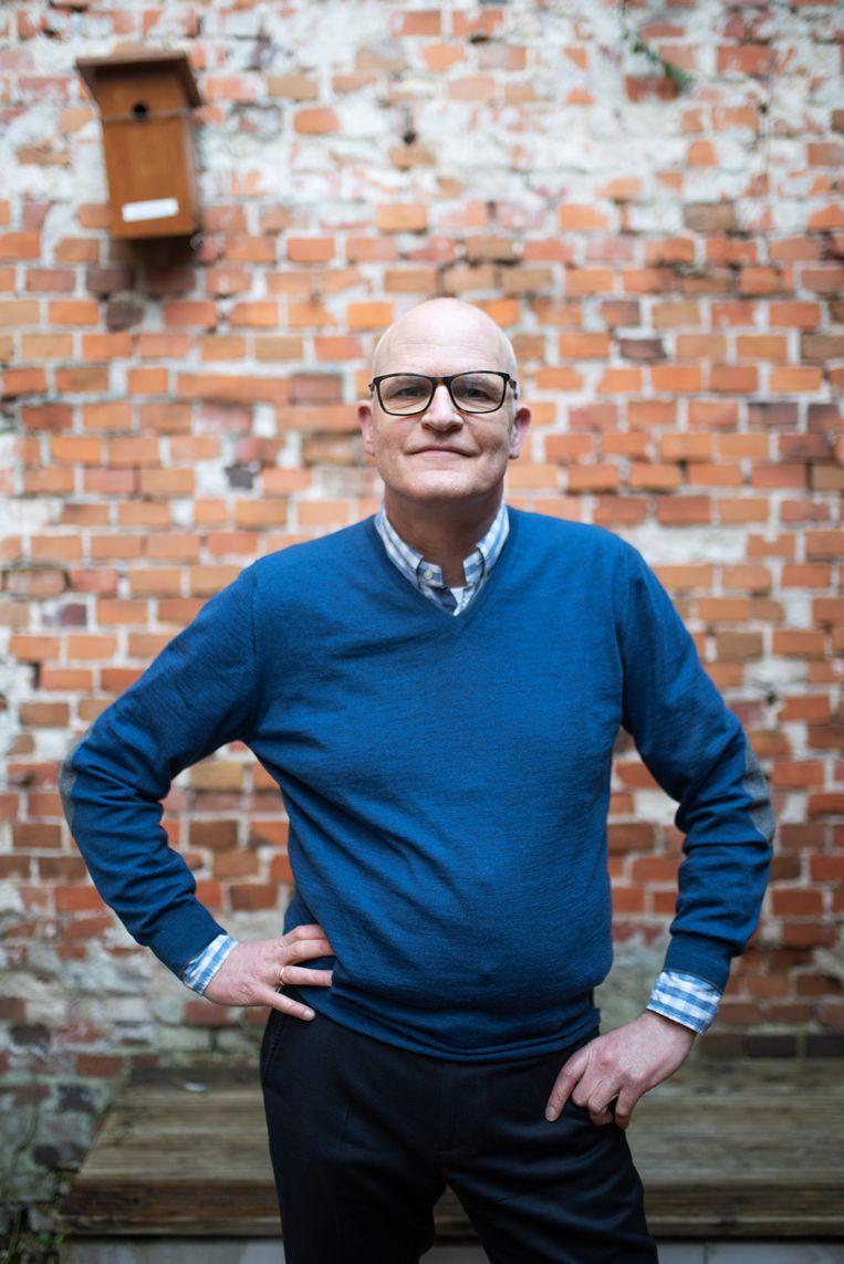 Erwin de Vries van boekhandel Godert Walter in Groningen: 'Om de opgesloten wereld waarin wij nu leven te ontvluchten, is het heerlijk de weidsheid van de Russische natuur op te zoeken.' Beeld Sabine van Wechem