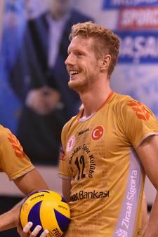 Volleybalinternational Van Dijk geniet in Turkije