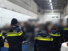 Ouders brachten kinderen doodleuk om 22.00 uur naar illegaal feest: allemaal op de bon