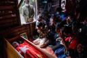 Begrafenis van een demonstrant die om het leven kwam na hardhandig optreden van het leger.