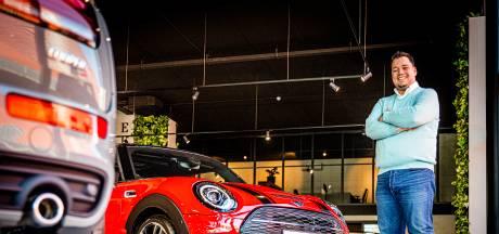De grootste showroom van Europa van het Britse automerk Mini staat in Dordrecht