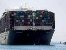 'Blokkeerschip' komt eindelijk aan in Rotterdam, gedupeerden moeten betalen voor vertraging
