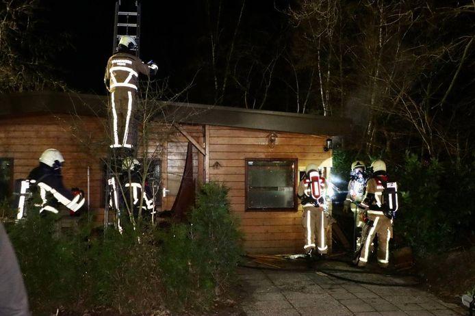 Een sauna bij een chalet vloog in brand.