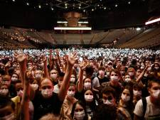"""""""On reprend goût à la vie"""": 5.000 spectateurs réunis au concert-test d'Indochine à Paris"""