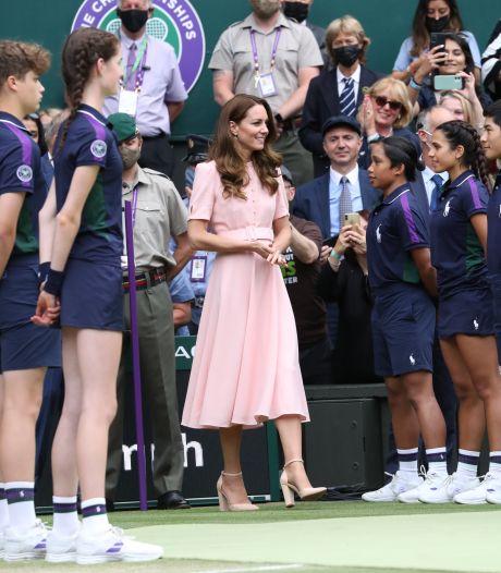 Kate Middleton craque une fois de plus pour une paire à petit prix