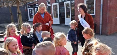 Juf Nancy 40 jaar in het onderwijs: 'Soms mis ik het krijtbord nog wel'