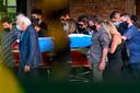 Familie en vrienden droegen Maradona ten grave.