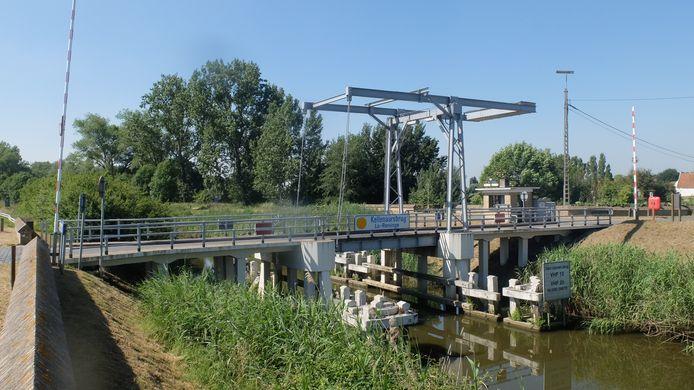 De Kellenaarsbrug gaat een tijdje dicht door roestvorming op de draagstructuur