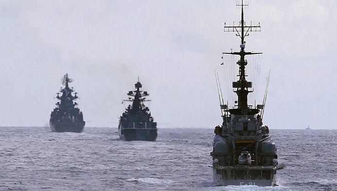 Venezolaanse en Russische oorlogsschepen op archiefbeeld