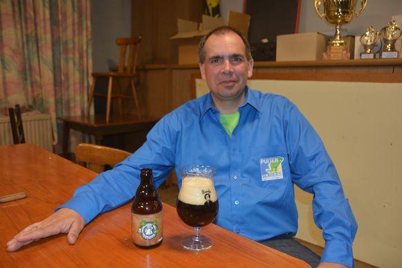Peter De Munck creëerde voor het jubileum het Puitenslagersbier Sefken.