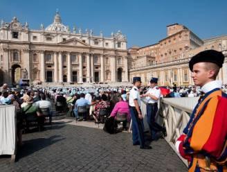 Dresscode geldt nu ook in Vaticaanstad: geen shorts!