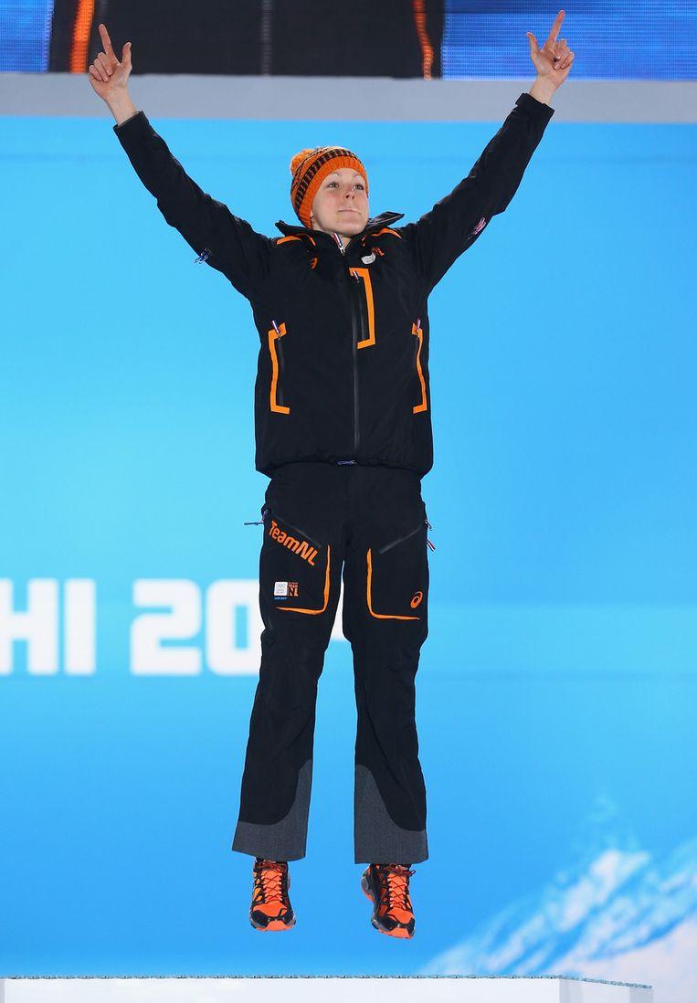 Jorien ter Mors tijdens de medailleceremonie op Medals Plaza Beeld getty