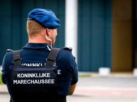 Burgemeesters: Oost-Nederland wil agenten terug, 'laat beveiliging over aan marechaussee en bedrijven'