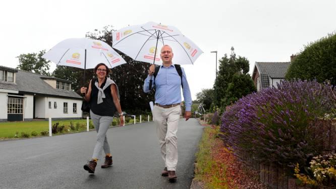Burgemeesterspaar trekt langs de dorpen in Tour de Molenlanden: 'Veel mensen hebben mijn 06-nummer'