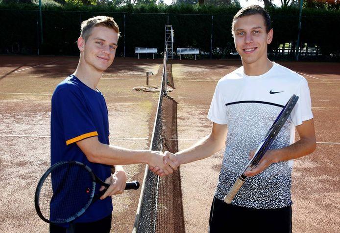 Bram Donze (rechts) met zijn broer Gijs.