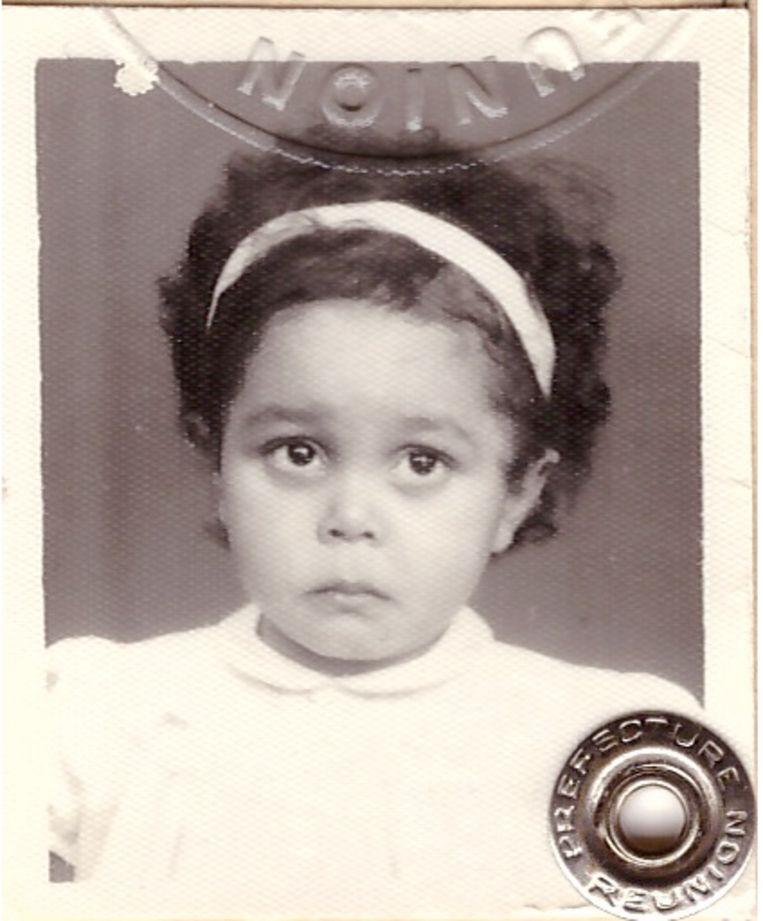 Valérie Andanson als driejarige, ten tijde van haar vertrek. Beeld privébeeld
