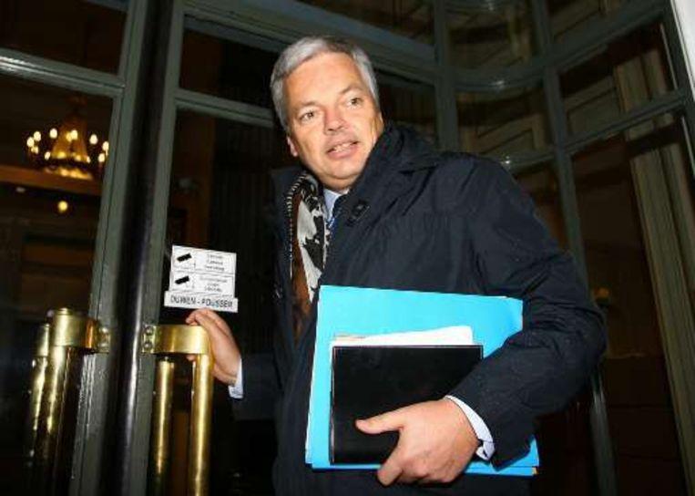 Minister van Financiën Didier Reynders arriveerde vanavond op een nieuwe vergadering. Beeld UNKNOWN