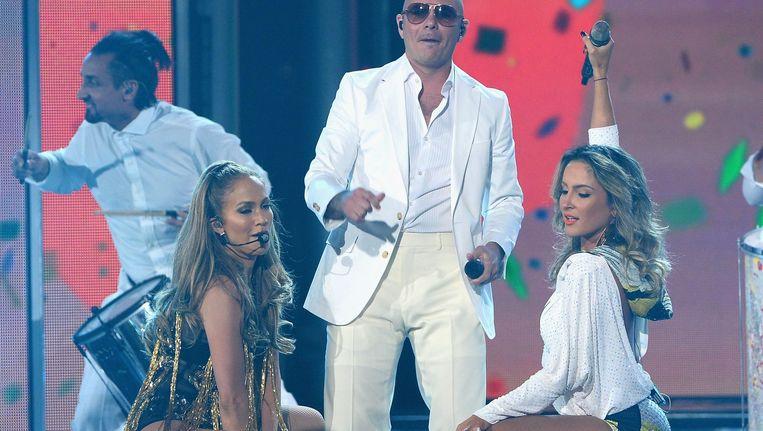 Jennifer Lopez, Pitbull en Claudio Leitte. Beeld BELGA