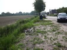 Wielrenner gewond door botsing met auto in IJzendoorn