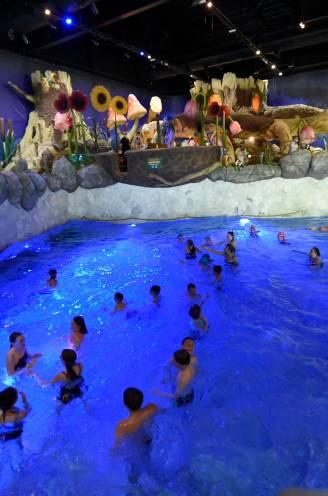 """Agent reanimeert zwemmer tijdens gezinsuitstap in Plopsaqua: """"Ik dacht even niet aan corona"""""""