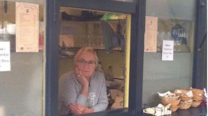 Blauwe Kiosk wordt in september vervangen door 'Obuchon': Rosita neemt virtueel afscheid van haar klanten