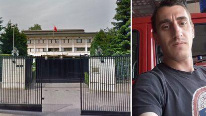 """Man (36) dood aangetroffen aan Chinese ambassade in Brussel: """"We willen waarheid kennen"""""""
