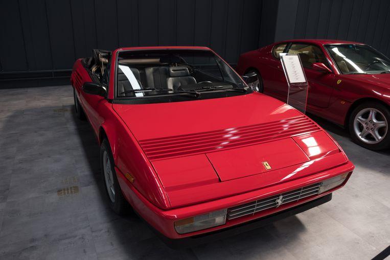 Een Ferrari Mondial uit 1987. Beeld Shutterstock