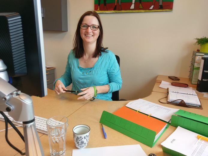 Jolanda Neijman, staffunctionaris bij Stichting Kringloop Alphen.