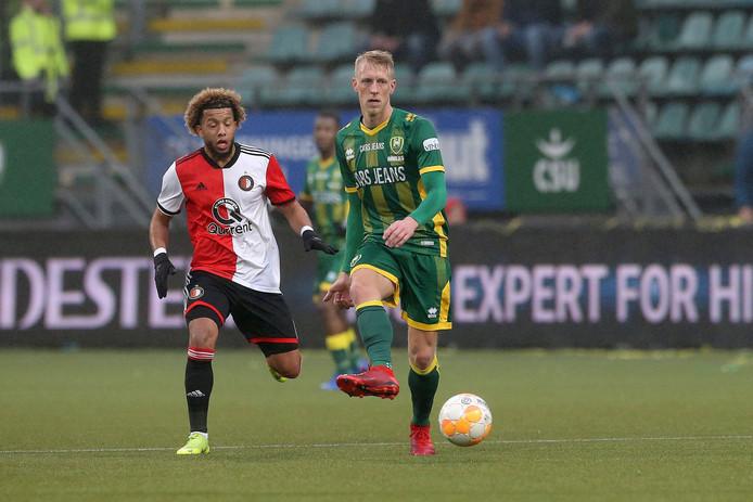 Lex Immers in actie tegen zijn oude club Feyenoord.