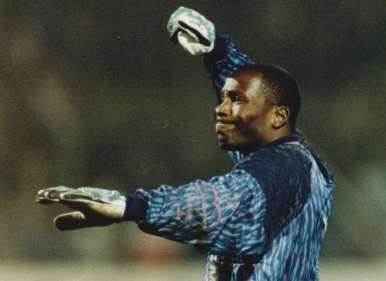 Stanley Menzo tijdens de Europacupwedstrijd Ajax-FC Kaiserlautern in 1992. Beeld Hollandse Hoogte /  ANP