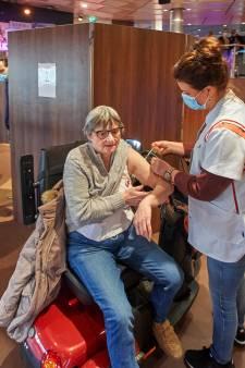 Huisartsen hebben vaccins over; ook kwetsbare jeugd in Brabant nu al aan de beurt