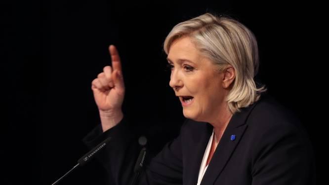 """Marine Le Pen veut """"une monnaie nationale"""" au quotidien"""
