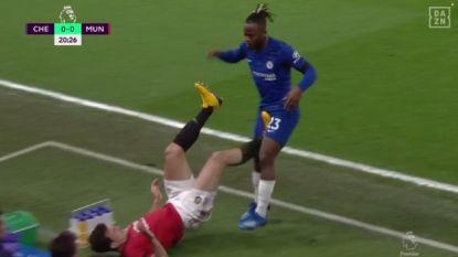 "Lampard woest nadat Maguire geen rood krijgt na stamp in edele delen Batshuayi en nadien 0-2 scoort: ""Dit is toch waarom er VAR is?"""