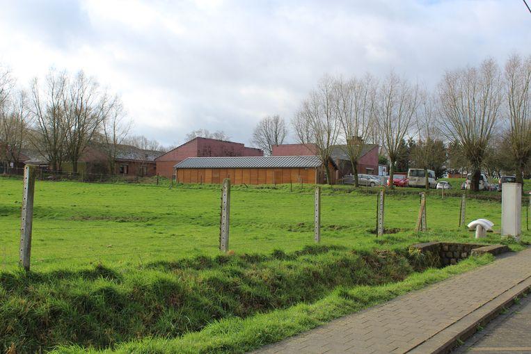Op deze plek naast Huize Ter Loo komt mogelijk het nieuwe waterzuiveringsstation.