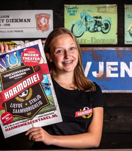 Hengevelds musicaltalent Linde Tijhof (13) speelt de pannen van het dak in de productie Harmonie!