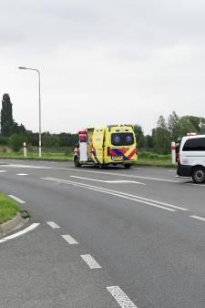 Traumahelikopter landt in Rhenen voor ongeluk met wielrenner