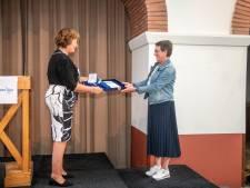 Deze 27 gedecoreerden kregen dan toch nog een lintje uit handen van burgemeester Spies