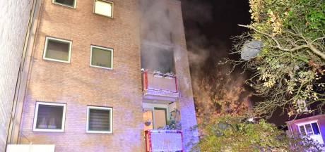 Brand op tweede verdieping van appartementencomplex in Eindhoven, bewoners op tijd in veiligheid