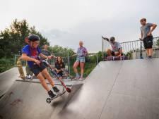 Skaters willen nieuw betonnen skatepark in Hellevoetsluis: 'Er zijn al ongelukken gebeurd'