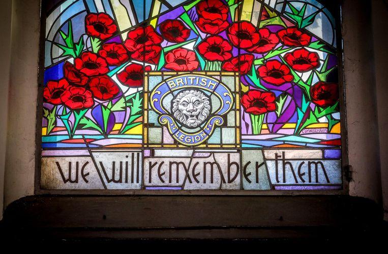 Het prachtige loodraam, een eerbetoon aan de slachtoffers van WOI, wordt uiteraard behouden, restauratie of niet.