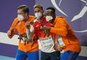 Tony van Diepen (links) samen met Spanjaard Óscar Husillos en landgenoot Liemarvin Bonevacia op het podium na de tweede dag van de Europese Kampioenschappen Indoor Atletiek.