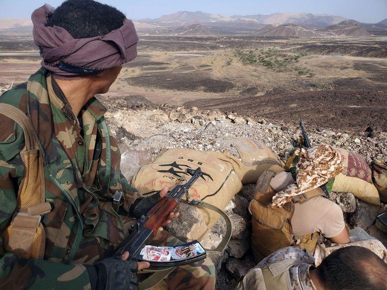 De gevechten in Jemen gaan tussen de door de regering gesteunde militaire coalitie onder leiding van Saoedi-Arabië en de Houthi-rebellen die steun krijgen van Iran. Beeld AFP