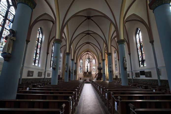 Interieur van de kerk in Herwen.